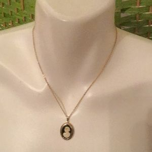 🌷Awesome Estate Vintage Cameo Pendant Necklace🌷